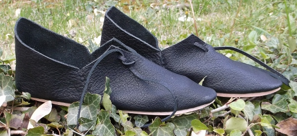 14th Century Side Laced Womens Shoes in Turnshoe