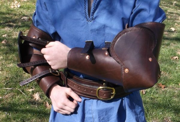 Half Arms Armor with Leather Elbow